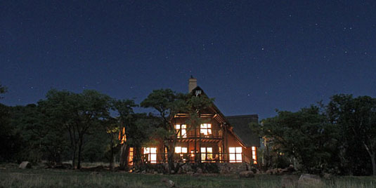 Kololo Game Reserve Superior 6 Bed Villa Self catering Fully Catered Accommodation malaria-free Waterberg Big 5 South Africa