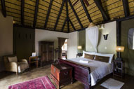 nate Game Lodge - Deluxe Unit in colonial style